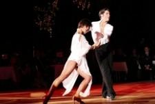 Samba czy klasyczny Walc? – Pierwszy taniec na topie