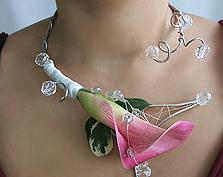 Kwiatowa biżuteria dla Panny Młodej
