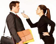 Czy zostaniesz moim… mężem? – czyli opinie forumowiczek na temat oświadczającej się kobiety